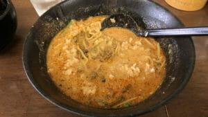ごまやのスープに半ライスとザーサイを追加投入して担々麺おじや