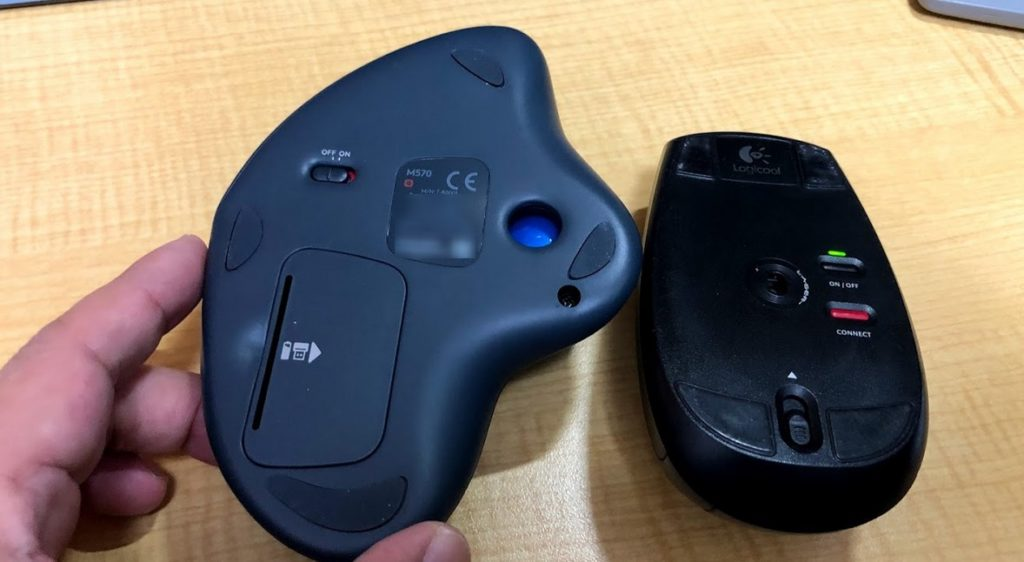 普通のマウスとトラックボールマウスのマウス底面の違い-M570